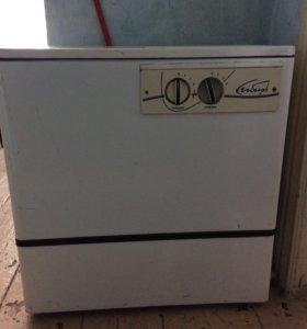 Машинка стиральная сибирь , в рабочим состояние .