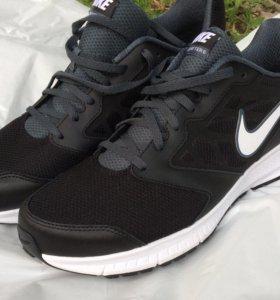 Кроссовки Nike размер 47,5 (новые) original