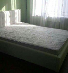 Кровать с матрасом 140*200 из экокожи