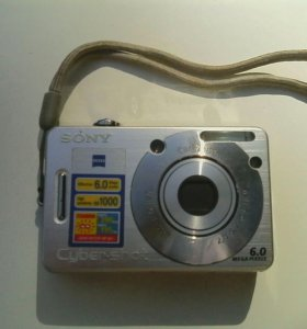 Фотоаппарат на запчасти.