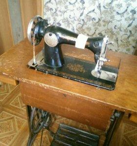 Швейная, ножная машинка