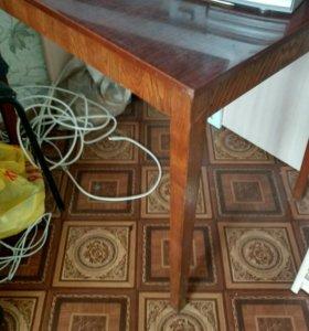 Полированный стол 60*80