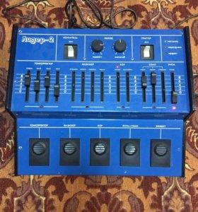 Продаю гитарный микросинтезатор Лидер -2
