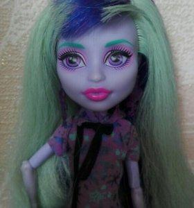 Кукла Твайла. Монстер хай.