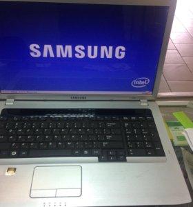 Ноутбук с диагональю 17,3 дюйма Samsung R730