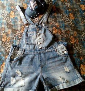 Комбезик джинсовый 48-50 с кепочкой