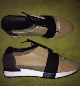 Новые кроссовки Balenciaga р.40