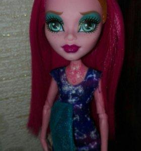 Кукла ДжиДжи Гранд. Монстер хай.