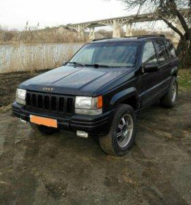 Jeep Grand Cherokee 5.2л
