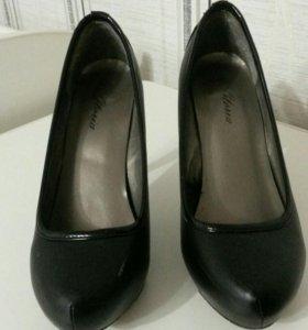 Черные туфли глория