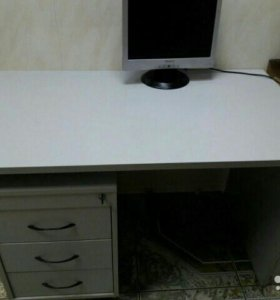 Стол компьютерный без тумбы
