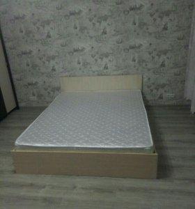Кровать двуспальная с ортопедическим матрасом