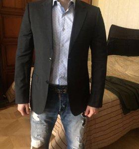 Продаю пиджак Calvin Klein Collection