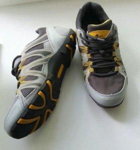 Продам кроссовки новые,размер на 38-39