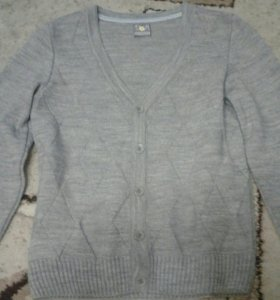 Кофта и рубашки школьные на мальчика