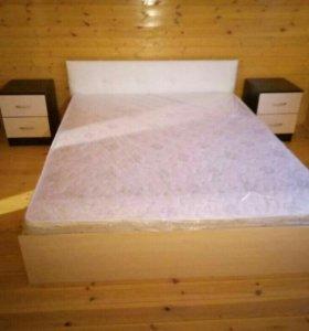 Кровать с матрасом двуспальная