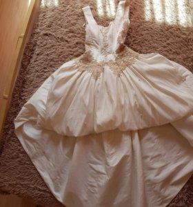 Платье р-р 42