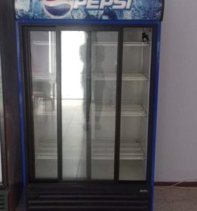 Витринный холодильник.