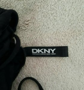 Купальник слитный новый DKNY