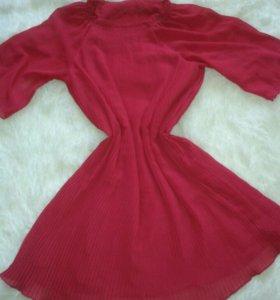 Платье плесированное из шифона