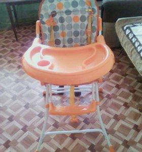 Столик для кормления малыша.