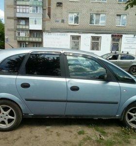 Автомобиль Опель Мерива