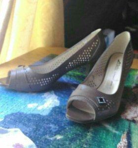 Летние кожаные туфли 41 размер