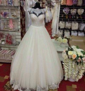 Свадебное платье размер 42-46