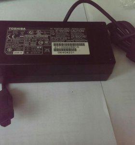 Зарядное TOSHIBA 15V-8A б/у