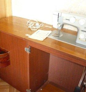 Машина швейная Подольск 142