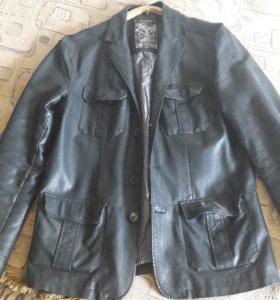 Мужская кожаная куртка Reserved