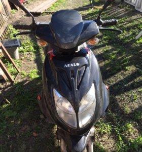 Скутер nexus street SLE 150