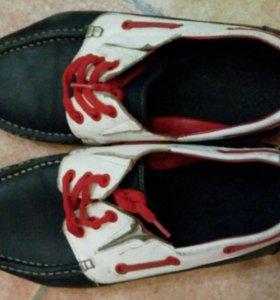 Туфли кожаные и сандали бу 39-40