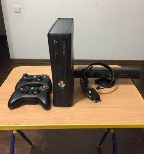 Xbox 360 250гб, кинек и 2 геймпада