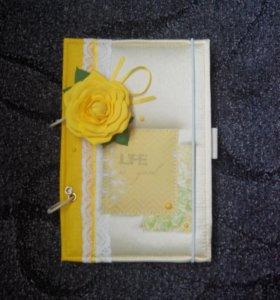 Блокнот с желтой розой