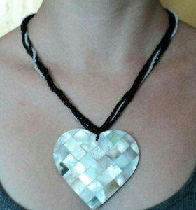 Ожерелье с сердечком  бисер для молодой девушки
