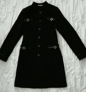 Пальто 44-46 размера.
