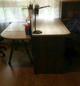 Письменные столы для двоих школьников