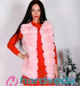 Меховая жилетка розовая
