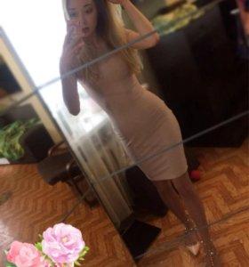 Платье пудро розовое