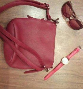 Женская сумочка (абсолютно новая)