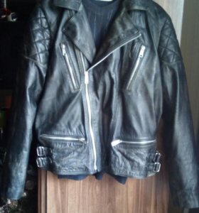 Куртка кожаная размер L.