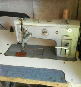 Швейная машинка двух иголка