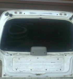 Крышка багажника, бампер на Ниссан Марч