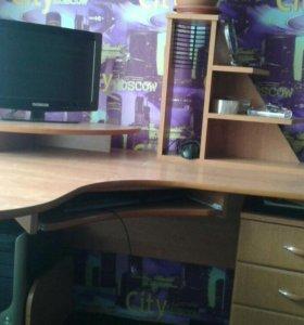 Продам или обменяю письменный стол