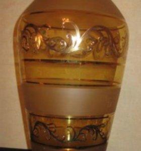 Стильная и красивая ваза новая