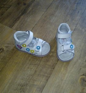 Детские ботиночки на девочку