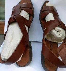 Босоножки или сандалии,кожа.