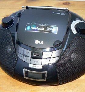Магнитола LG SB-19ST