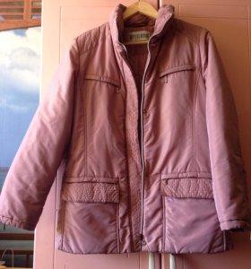 Демисезонная куртка размер 44
